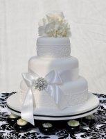 hydrangea_and_lace_cake (1).jpg